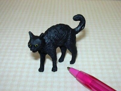 Miniature Scary Black Cat for Halloween, Arched Back: DOLLHOUSE Miniatures - Halloween Back