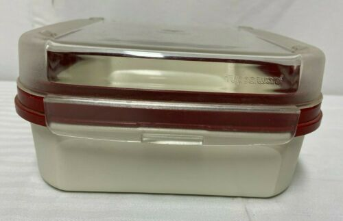 Tupperware Square 5 Cup Container 1619 With Burgandy Hinged Lid