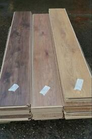 Laminate floor panels palet 1 / 2 stacks L and Middle - RIGHT SOLD NOW!