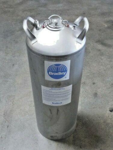 4R983 Bradley S19-788 15 Gallon Safety Portable Eye/Face Wash Unit & Drench Hose