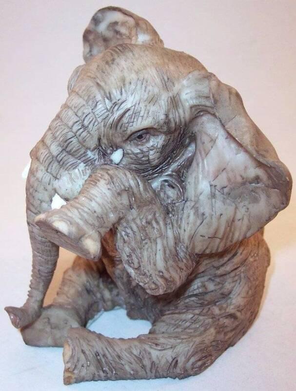Weeping Crying Rock-Like Resin Sad Elephant Sitting Figurine