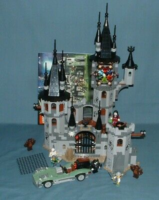 MONSTER FIGHTERS, VAMPYRE CASTLE SET 9468 - LEGO - 2012 - USED