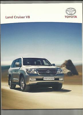 TOYOTA LAND CRUISER V8 SALES BROCHURE/PORTFOLIO - INC. ACCESSORIES SECTION 2008