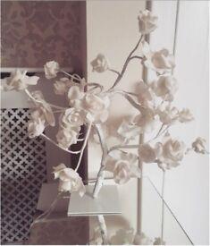 Shabby chic flower lamp