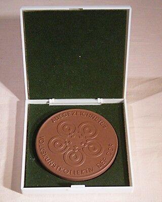 """11 325 DDR Medaille """"Ausgezeichnetes Volkskunstkollektiv der DDR * Unsere ..."""