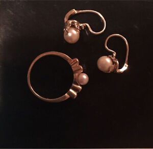 18k gold ring/earrings with pearls and diamonds