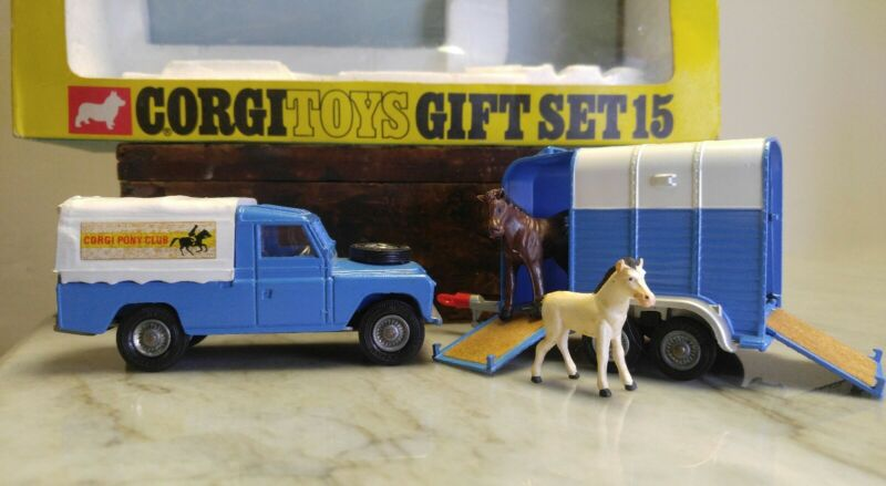 Corgi Toys Gift Set 15, Land Rover & Rice's Beaufort Horse BOX, HORSE and FOAL