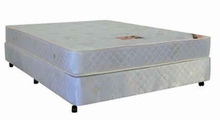 FOR SALE QUEEN MATTRESS