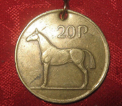 VINTAGE ANTIQUE CELTIC IRELAND IRISH HORSE/HARP COIN GOLD PENDANT NECKLACE