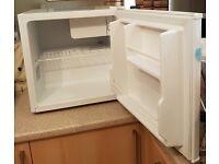 Mini Fridge Freezer - Lec R50052W( 45 litre capacity)