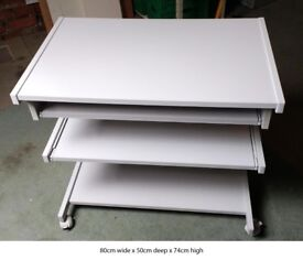 Solid computer table with two pull out shelves