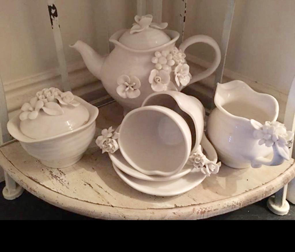 Pretty vintage style tea set
