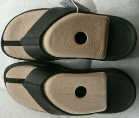 Brand new black leather Fitflops size 5.