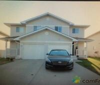 Half duplex with single garage for rent 1600$