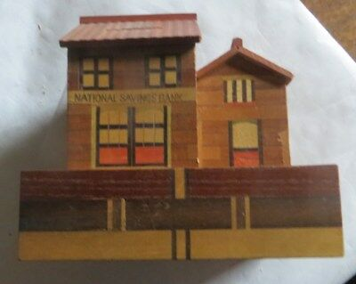 Maisonnettes tirelire en bois avec secret – me demander – « National Saving Bank