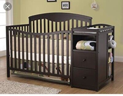 Sorelle Presley Convertible Crib And Changer