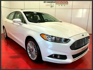 Ford Fusion SE AWD + TOIT + CAMERA 2026