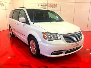 Chrysler Town & Country TOURING + DVD + 8 PASSAGERS 2016