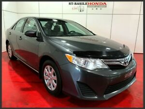 Toyota Camry LE + NAVIGATION + MAGS 2012