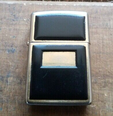 Used doudle sided Zippo, no box ,good condition, date code,A-1X, 1993, 27 yr old