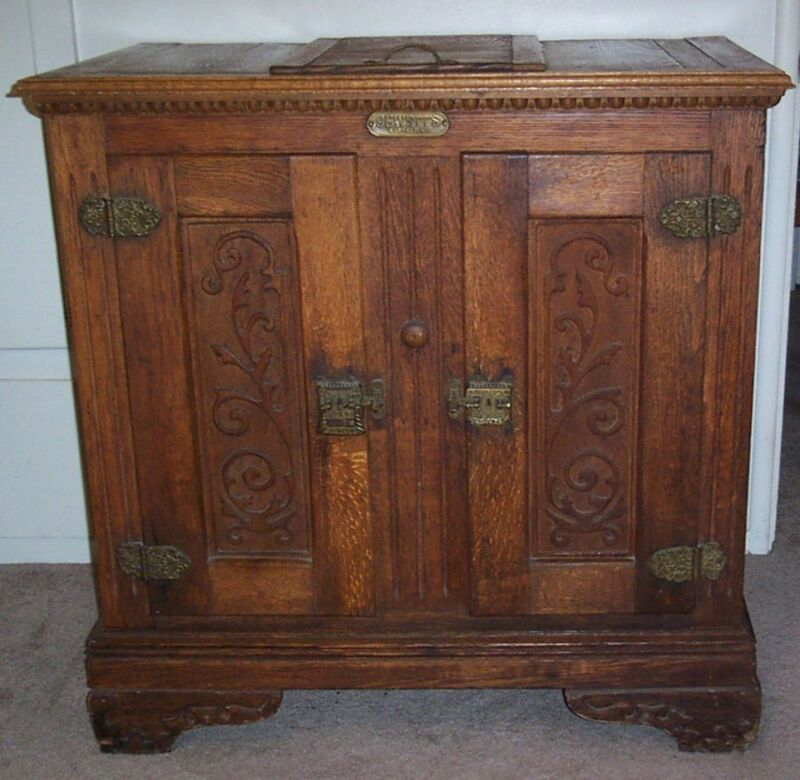 ORNATE ANTIQUE ICE BOX OAK JEWETT