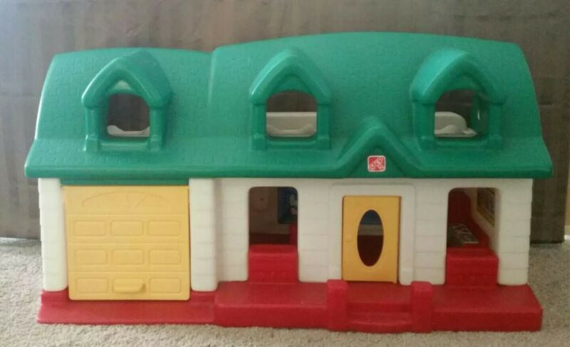 Vintage Step 2 Bigger Chunky Little People House toddler doll house 28×17×14 HTF