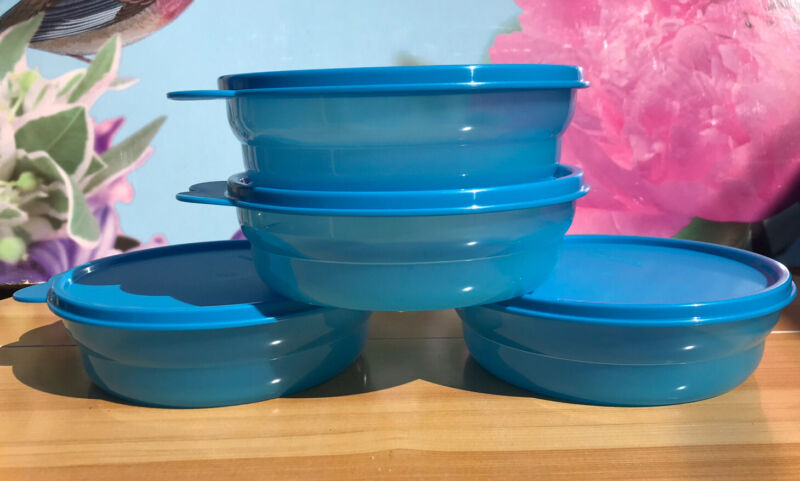 Tupperware Cereal Bowls 16 oz. Set of 4 Microwave Reheatable Blue New!!!!!