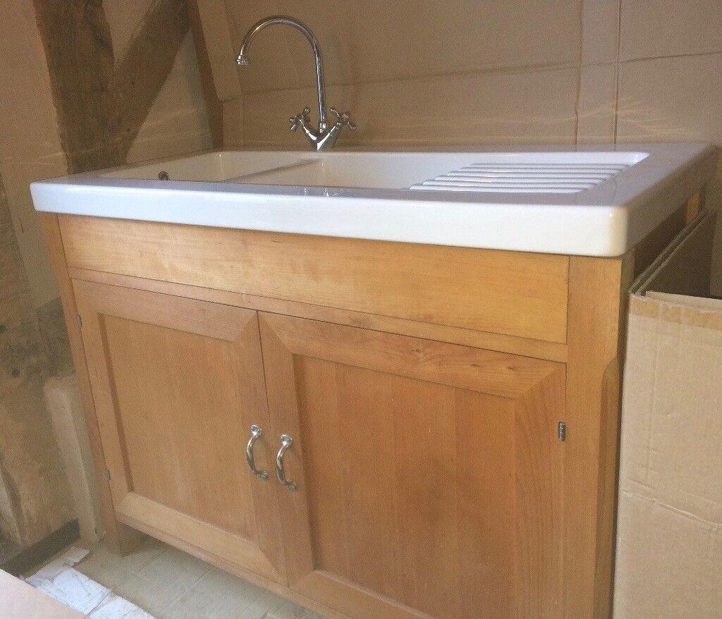 Free standing kitchen sink unit