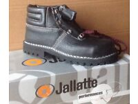 Size 6 Brand New, Boxed Jallatte Saftey Boots with Steel Toe Cap