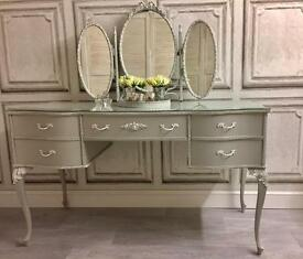 Stunning louis style dressing table