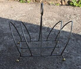 Stylish Metal Magazine Rack