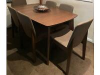 Dining table and 6 chairs (extendable)