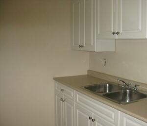 *INCENTIVES* 1 Bdrm w/ Balcony in Central Adult Bldg ~180
