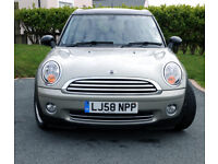 MINI COOPER CLUBMAN, 2008 (Very Low Mileage for Year)