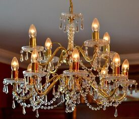 Pagazzi crystal chandelier with 2 side lights - excellent condition