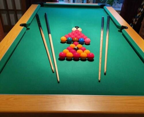 7ft pool table (pro frame and cushions) folding + 3 sets of balls/ 4 cues