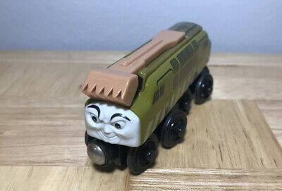 Thomas The Train Wooden Railway Green Diesel 10 Engine Wood Magnet Hitch 2003