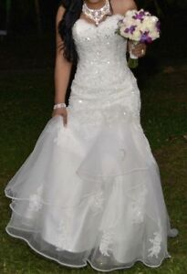 WEDDING DRESS FOR SALE !!!
