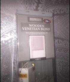 5ft wooden Venetian blind grey brand new