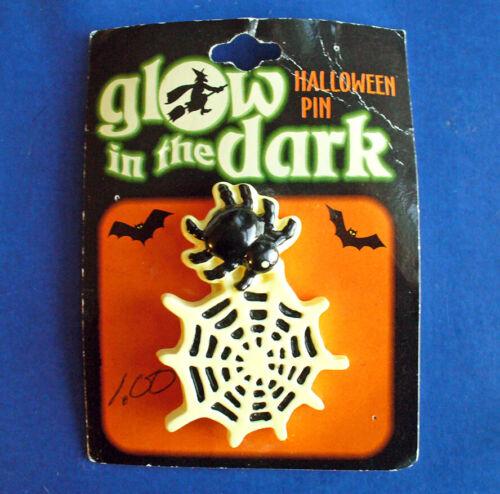 PIN Halloween Vintage SPIDER Web GLOW IN DARK Holiday NEW*