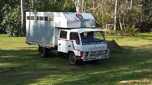1986 Mitsubishi Canter Twin-Cab Horse Truck Anstead Brisbane North West Preview