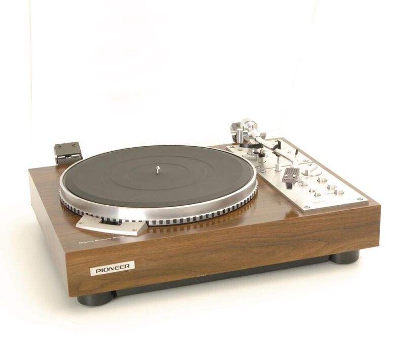 Complete Professional Restoration Service For The Pioneer PL-570 Turntable