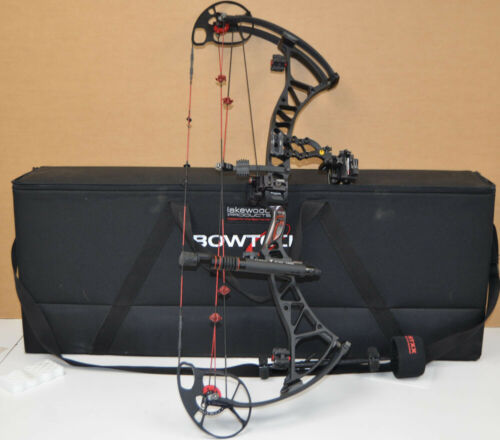 """Bowtech Experience Draw Weight 70lbs. Draw length 29""""  Right Handed with Case"""