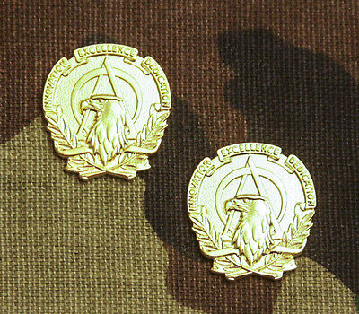 US ARMY ACQUISITION OFFICER COLLAR BRANCH INSIGNIA; 22K GOLD (Army Branch)