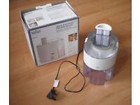 Braun Fruit and Vegetable Juice Extractor Centrifugeuse, Model MP75 with box