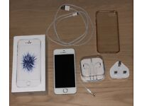 iPhone SE white 16gb unlocked and boxed with accessories