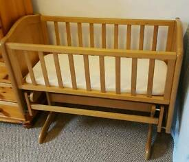 Beautiful swinging CRIB for sale (Mothercare)