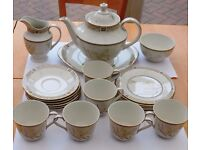 Royal Daulton White Nile 1978 Bone China Complete Tea Service