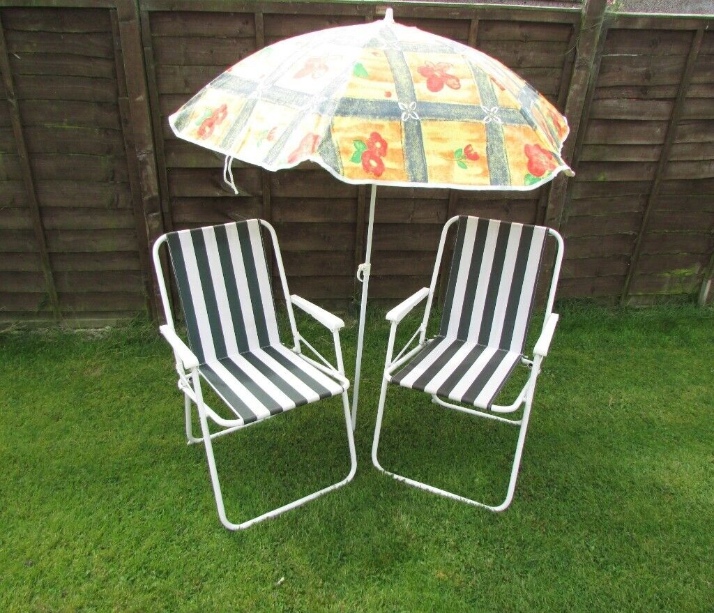 Amazing Set Of 2 Folding Garden Chairs Classic Stripe And Parasol Umbrella Beach Sunbathing Caravan Holiday In Leicester Forest East Leicestershire Gmtry Best Dining Table And Chair Ideas Images Gmtryco