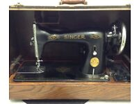 Beautiful Old Singer Sewing Machine In Lovely Carry Case